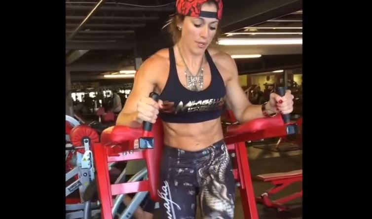 Extreme ripped body and core strength with Caroline Priscila